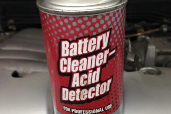 step-1battery-cleaner